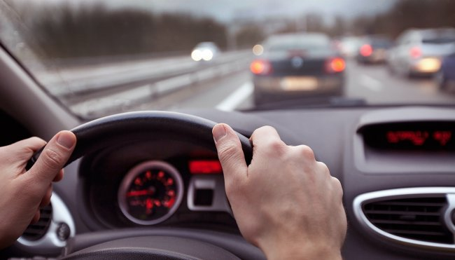 Tips To Prevent The Danger of Distractions While Driving